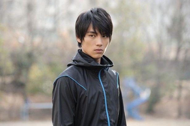福士蒼汰演じる新人俳優・一ノ瀬リョウはその人気から高飛車なところも
