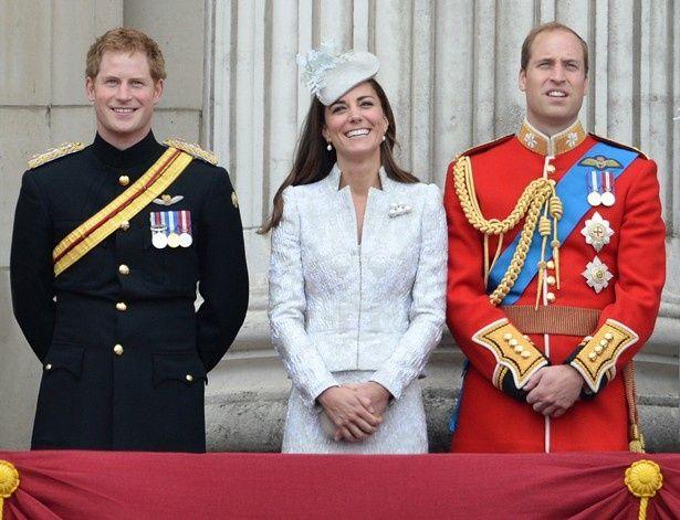1位に選ばれたロイヤルファミリー。左からヘンリー王子、キャサリン妃、ウィリアム王子