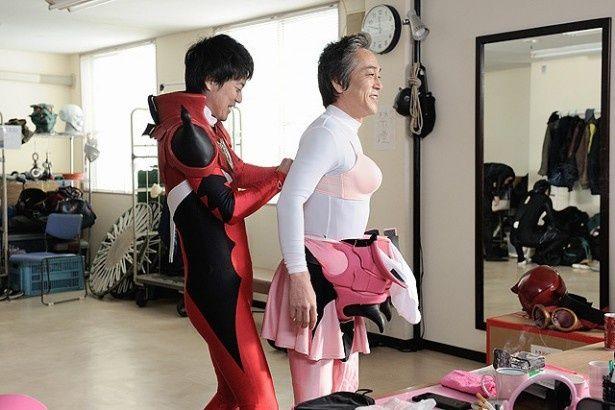 ピンクを演じる寺島進にも注目!
