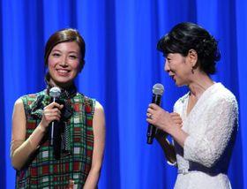 病気療養の村治佳織がステージに復活!吉永小百合に「毎日パワーをもらった」と感謝