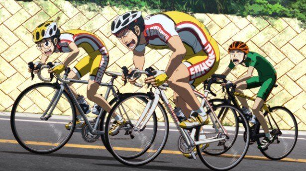 先輩の田所(写真中央)とともに坂道はレースに挑む