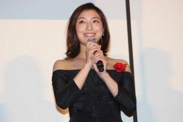 金吾の妻・セツ役の広末涼子