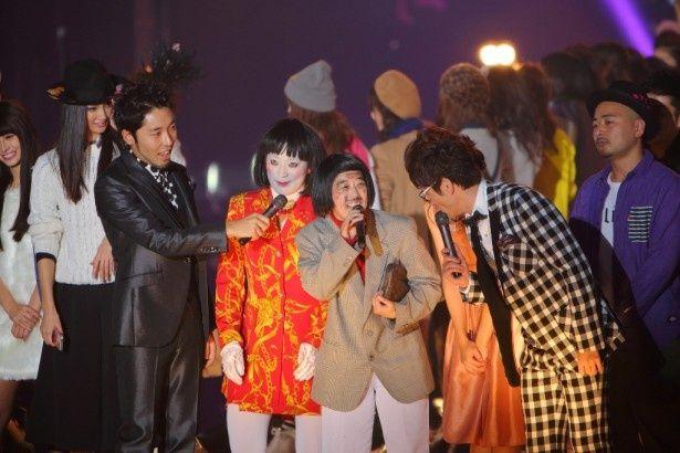 「グランドフィナーレ」で念願の3万人による「ダメよ~ダメダメ」を成功させた日本エレキテル連合