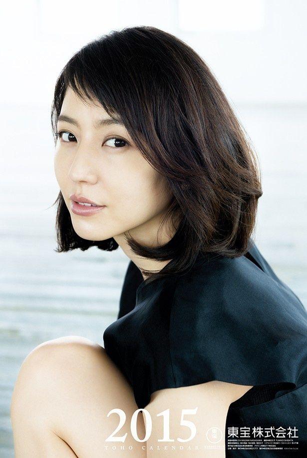 長澤まさみが11年連続で表紙を飾る「2015年 東宝カレンダー」