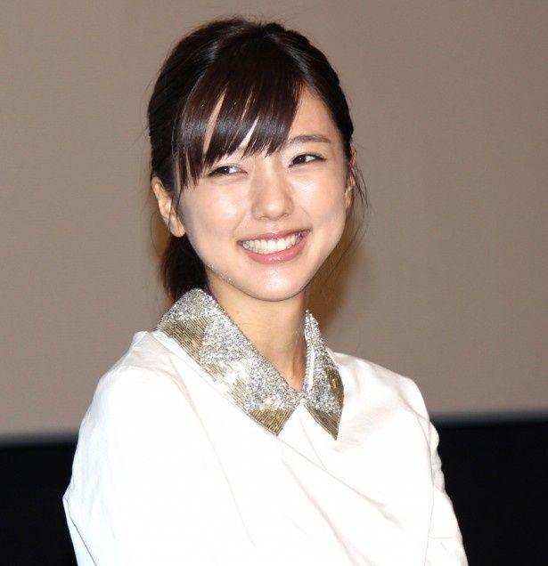 真野恵里菜、大胆な入浴シーンに照れ笑い!