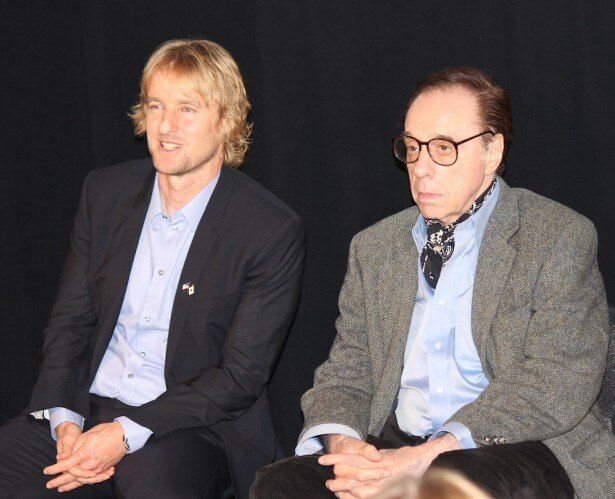 【写真を見る】来日したオーウェン・ウィルソン。ピーター・ボグダノヴィッチ監督と日本のファンの質問に答えた