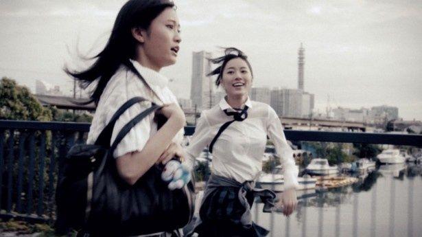 AKB48の38枚目シングル「希望的リフレイン」は前田敦子らOBたちがゲスト出演!