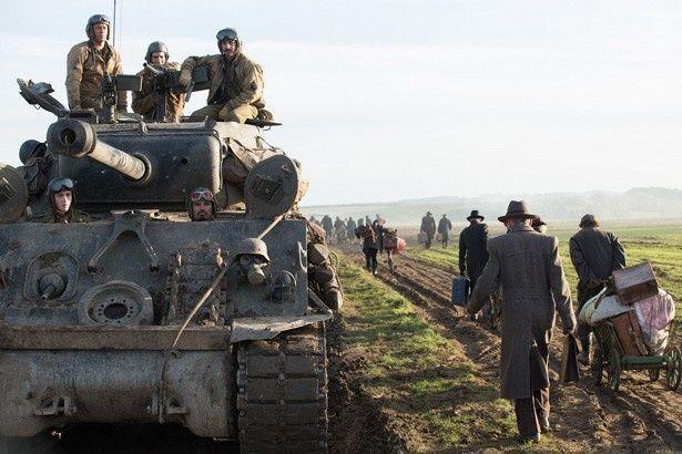 たった1台の戦車で300人ものドイツ軍最強部隊と戦い抜く