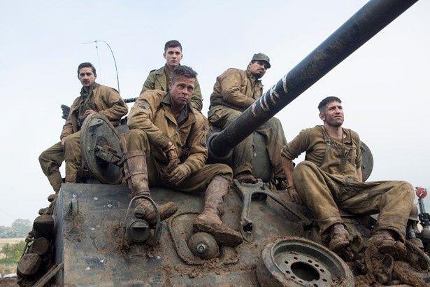 【写真を見る】家族以上の固い絆で結ばれてた5人の兵士たち
