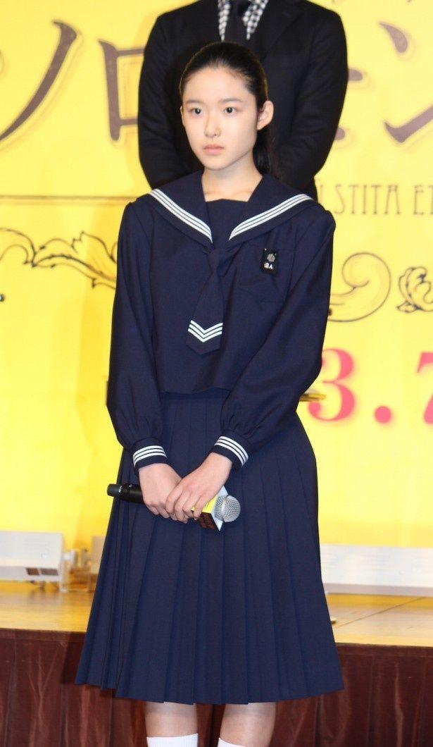 【写真を見る】セーラー服姿で登場!1万人の中から主人公に選ばれた14歳の新人女優・藤野涼子が決意を語った