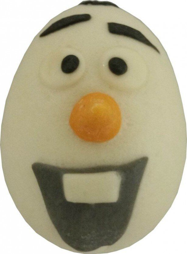 おとぼけなオラフの表情が再現された中華まん「アナと雪の女王 オラフ チョコまん」(190円)は12月16日(火)発売
