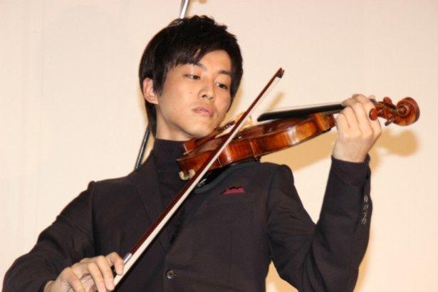 11 億円相当の世界最高級のヴァイオリンを弾いた松坂桃李