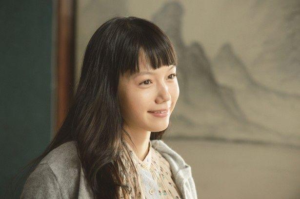 映画「神様のカルテ2」では、宮崎あおいが櫻井翔の妻役を好演