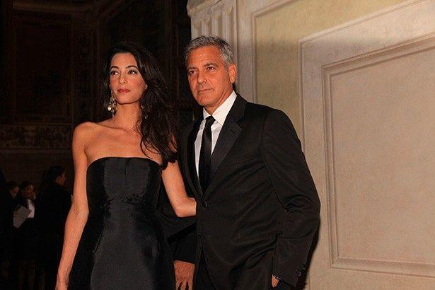 9月に結婚したジョージ・クルーニーと妻アマル・クルーニー