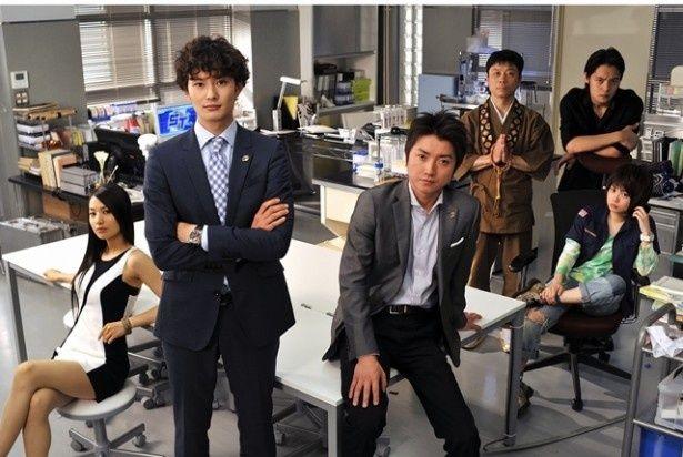 12月29日(月)、30日(火)の2夜連続で傑作選が一挙放送されるドラマ「ST赤と白の捜査ファイル」