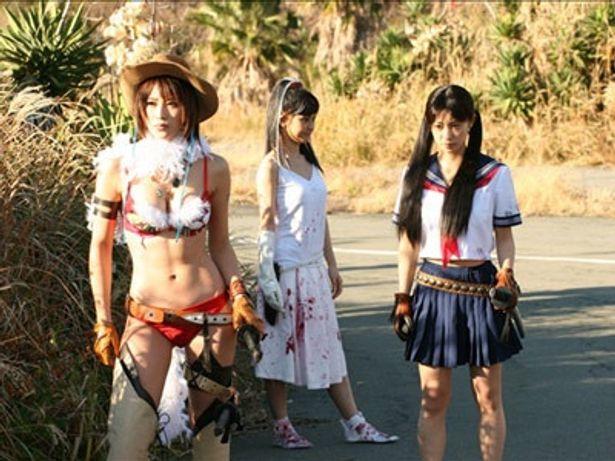 荒廃とした世界を舞台に、セクシー美女たちが壮絶なサバイバルを展開する