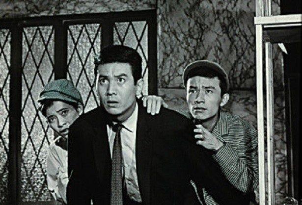 円谷プロダクションによる最初のテレビシリーズ作品「ウルトラQ」。怪事件に立ち向かう3人の主人公(写真左から桜井浩子、佐原健二、西條康彦)
