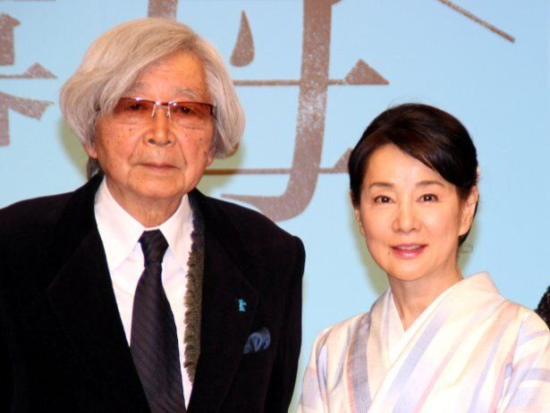 山田洋次監督作『母と暮せば』は吉永小百合×二宮和也共演作