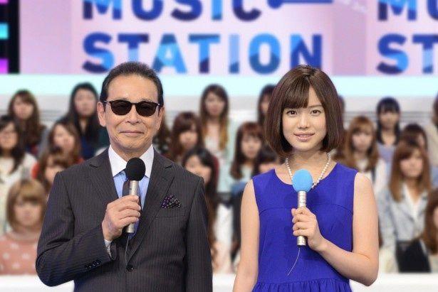 「ミュージックステーション スーパーライブ2014」を盛り上げるMCのタモリ、弘中綾香アナ(写真左から)