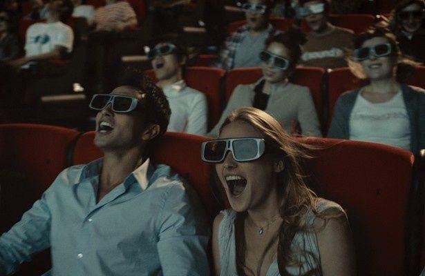 """""""4DX""""システムによりアトラクション感覚で映画が楽しめる!"""