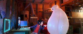 『アナと雪の女王』に続くヒットへ!2015年初週の興行を制したのは『ベイマックス』