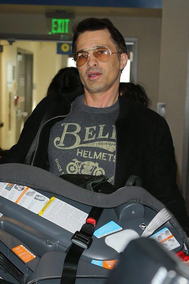空港職員をチャイルドシートで殴ったというオリヴィエ・マルティネス