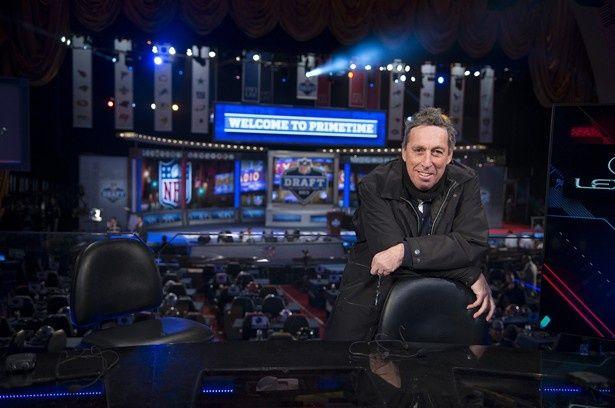 NFLの全面協力を得て『ドラフト・デイ』を撮影したアイヴァン・ライトマン監督