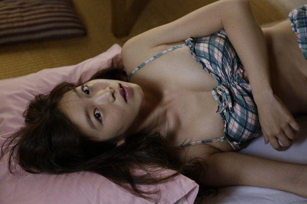 佐々木心音が素に近い役作りで主演を務めた映画『スキマスキ』