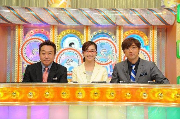 「クイズプレゼンバラエティー Qさま!!」の司会を務めるさまぁ~ず・三村マサカズ、優香、さまぁ~ず・大竹一樹(写真左から)