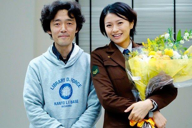ヒロイン笠原郁を演じた榮倉奈々と佐藤信介監督