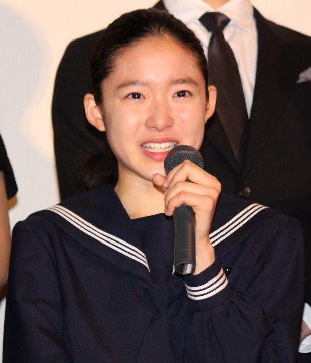藤野涼子、初日舞台挨拶で感激の涙!
