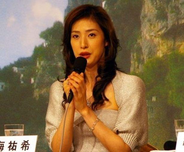 天海祐希は「織田さん、佐藤さんが演じられた役柄がそれぞれに素敵でした」と語った