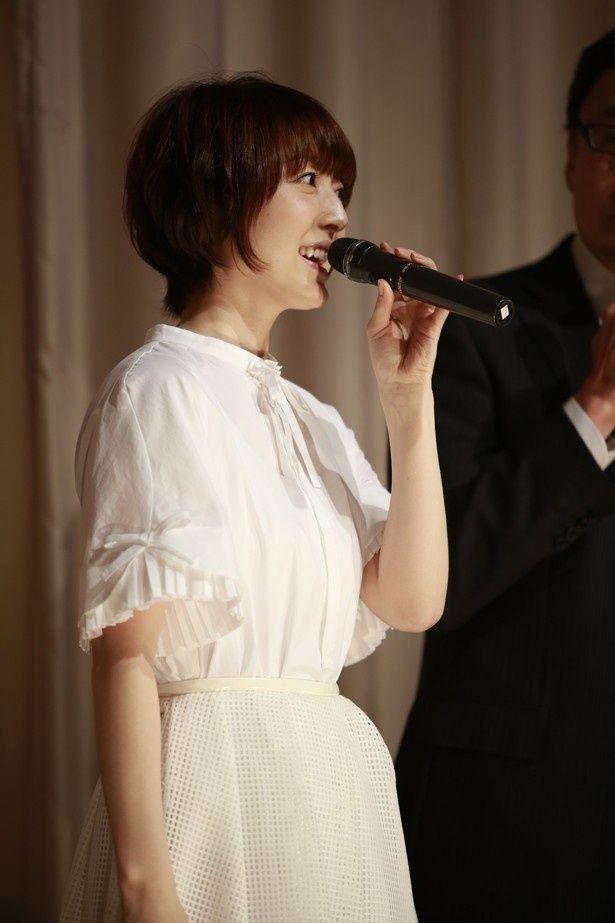 映画『君がいなくちゃだめなんだ』の初日舞台挨拶に登壇した花澤香菜