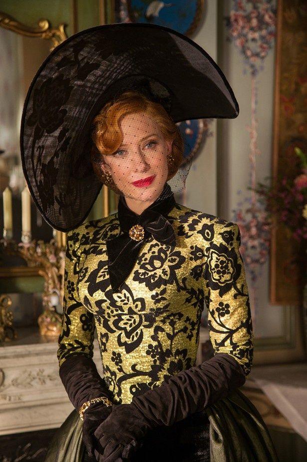 実写映画化した『シンデレラ』でまま母役に抜擢されたケイト・ブランシェット