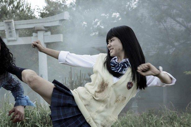 『Zアイランド』で見事な上段蹴りを披露している山本舞香