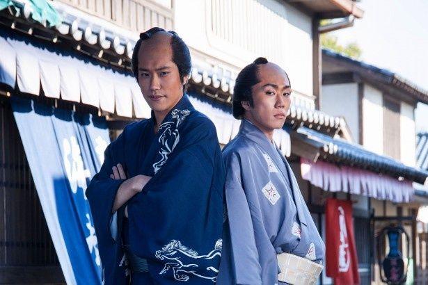 「ふたがしら」の撮影現場で息ぴったりのトークを披露した松山ケンイチ(左)と早乙女太一