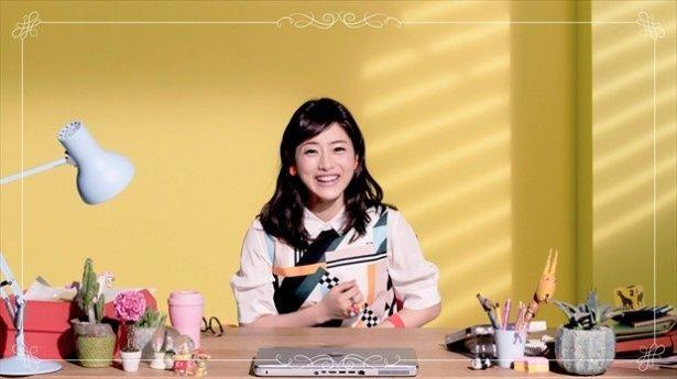人気の動画「石原さとみ ぷにぷにダンス動画」のメイキング動画が公開された