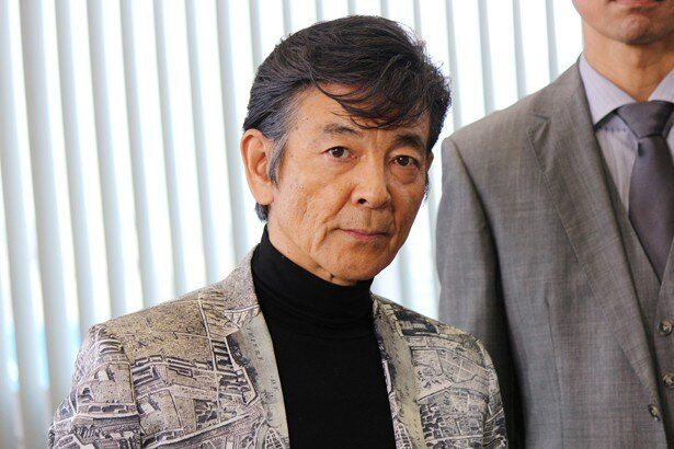 「以前は犯人が誰かわからずにやってましたから(笑)」と暴露した柴田恭兵