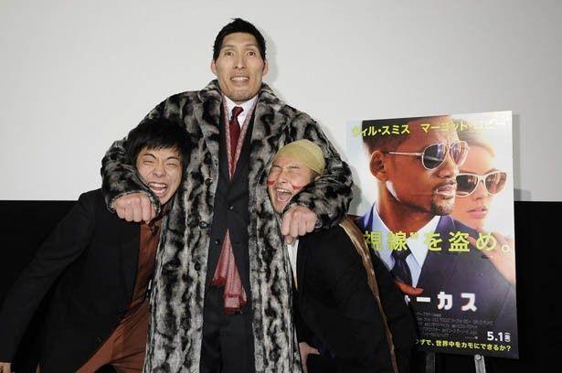 『フォーカス』の公開直前イベントに登場したバンビーノと篠原信一