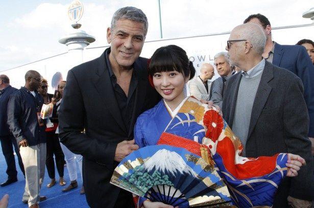 『トゥモローランド』プレミアで志田未来がジョージ・クルーニーと初対面!