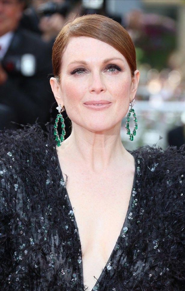 第68回カンヌ国際映画祭にゴージャスなドレスで登場したジュリアン・ムーア