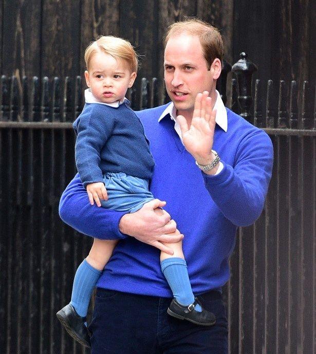 お兄ちゃんになったジョージ王子