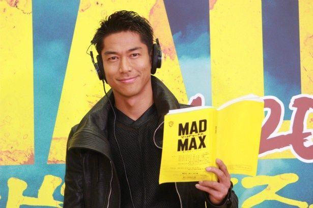 『マッドマックス 怒りのデス・ロード』の日本語吹替版で、マックス役の声優を務めるAKIRA