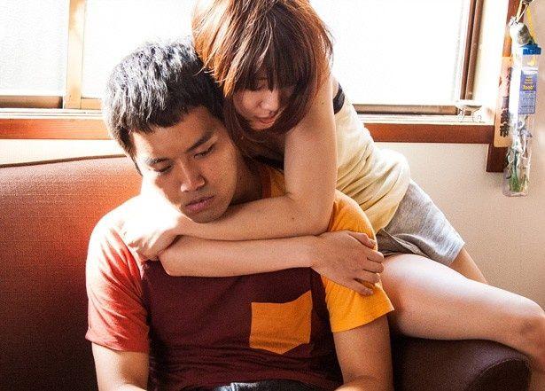 硬派なイメージの俳優・三浦貴大がエロティックなシーンに挑戦する『ローリング』(6月13日公開)