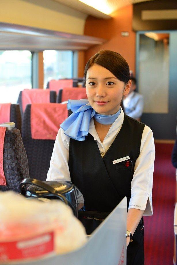 制服姿がキュート!大島優子の主演最新作『ロマンス』