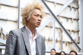 『新宿スワン』が『シンデレラ』を抑え首位スタート!