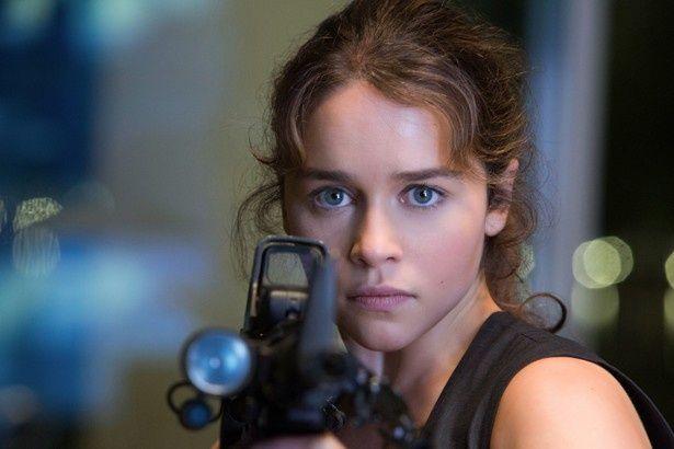 『ターミネーター:新起動/ジェニシス』でサラ・コナーを演じるエミリア・クラーク