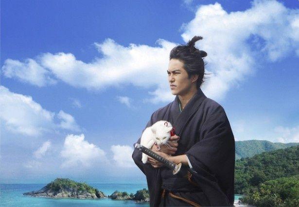 今作も久太郎が玉之丞を懐に抱えて華麗な剣さばきを見せるシーンは健在
