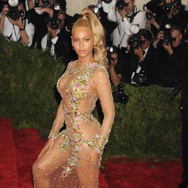 裸同然と言われたビヨンセのドレス姿