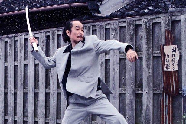 三池崇史監督作『極道大戦争』でアクションに初挑戦したリリー・フランキー